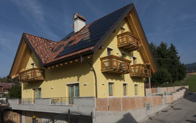 Asiago (VI) - Edificio unifamigliare su due livelli